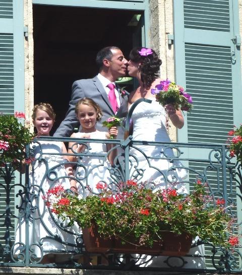 Le baiser au balcon de la mairie de Gallargue le monteux